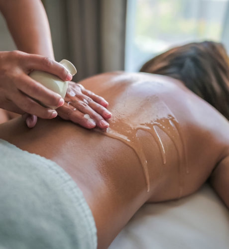 SPECIAL OFFERS : Complimentary Signature Spa Treatment